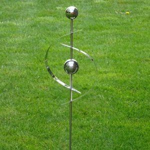Tuinsteker met twee heksenbollen