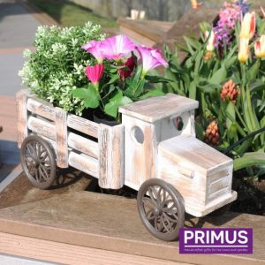 Tuindecoratie houten vrachtwagen